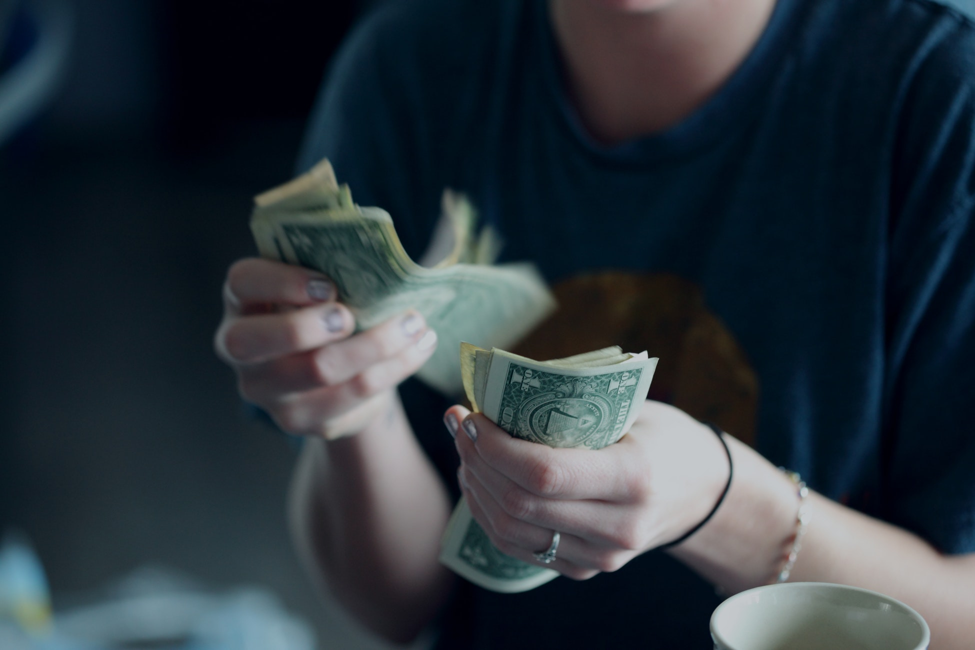 5 Reasons Using Cash Doesn't Actually Save You Money